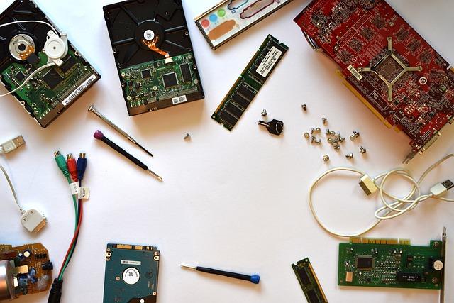 hardware-3509898_640